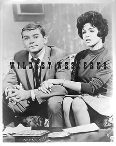 PETER-DEUEL-n-BETTY-CONNER-marlo-thomas-GIDGET-Pete-PHOTO-Alias-Smith-and-Jones