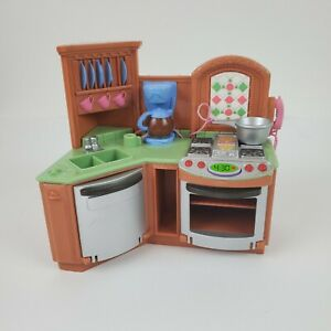 2005-Fisher-Price-Loving-Family-Dollhouse-Kitchen-Sink-Stove-WORKS-Noise-Light