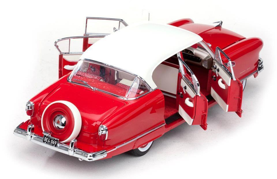 1952 Nash Ambassador rojo Ivory 1 18 SunStar 5116