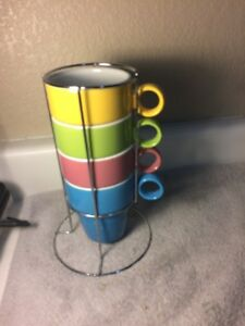 GIBSON-STACKED-COFFEE-MUGS-BRIGHT-COLORS-IN-STAND-FREE-SHIP-NEVER-USED