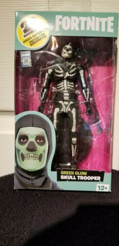 Free gift /& Shipping!! McFarlane Toys Fortnite-Glowing Skull Trooper
