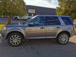 2011 Land Rover LR2 HSE All-Wheel Drive - Excellent Condition