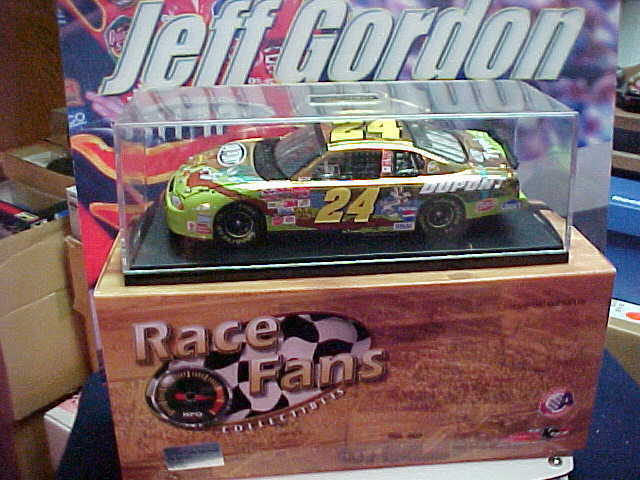 2002 JEFF GORDON  24 LOONEY TUNES REMATCH 24K Gold RACE FANS 1 24 CAR 1 OF 2508