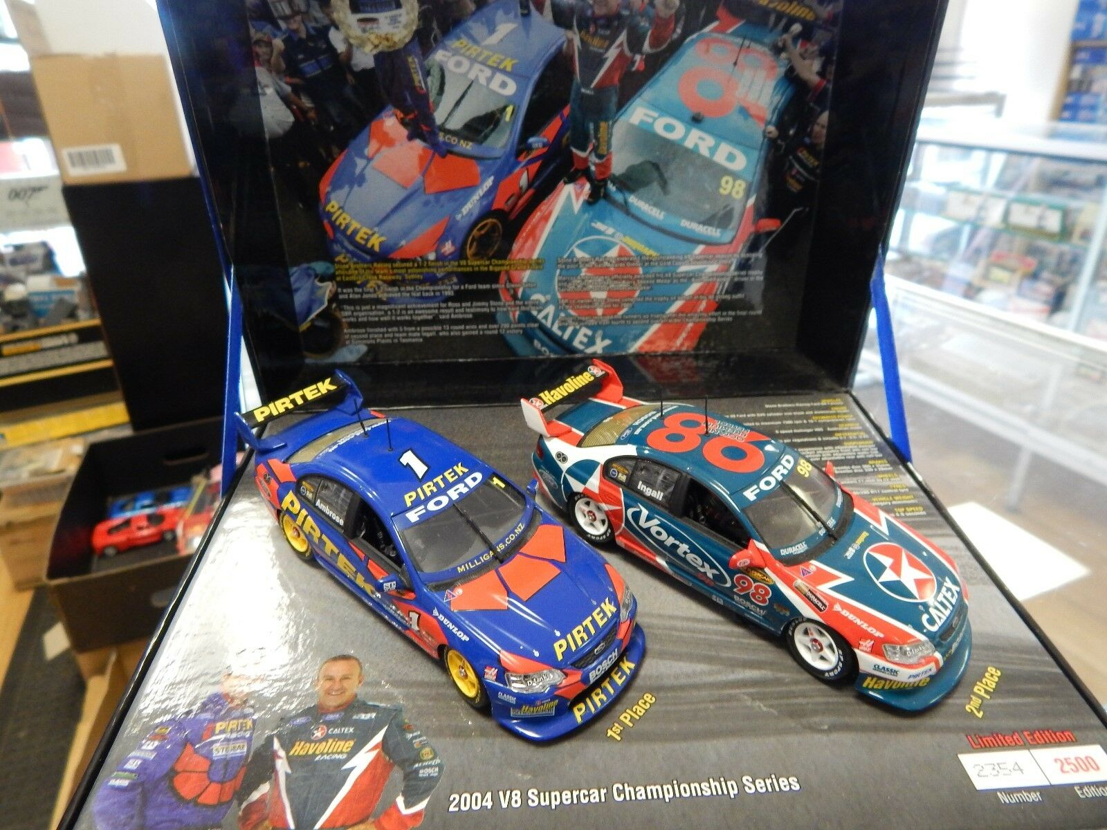 1/43 scale by Classic Carlectables 1-2 finish 2004 V8 Championship ltd edition