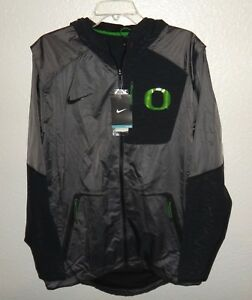 3d4cdd376235 NWT MENS M NIKE OREGON DUCKS FOOTBALL TEAM VELO FLY RUSH JACKET  160 ...