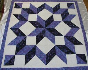 CARPENTER/'S STAR IN RED BLACK /& WHITE QUILT TOP Made in USA NO BORDERS
