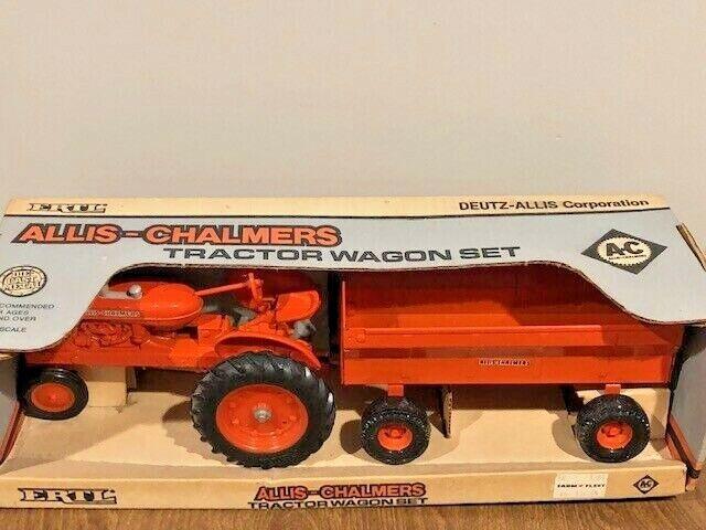 Ertl 1209 Allis Chalmers 1/16 Scale Tractor Wagon Set