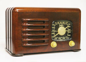 Old Antique Wood Zenith Vintage Tube Radio - Restored Black Dial Deco Table Top