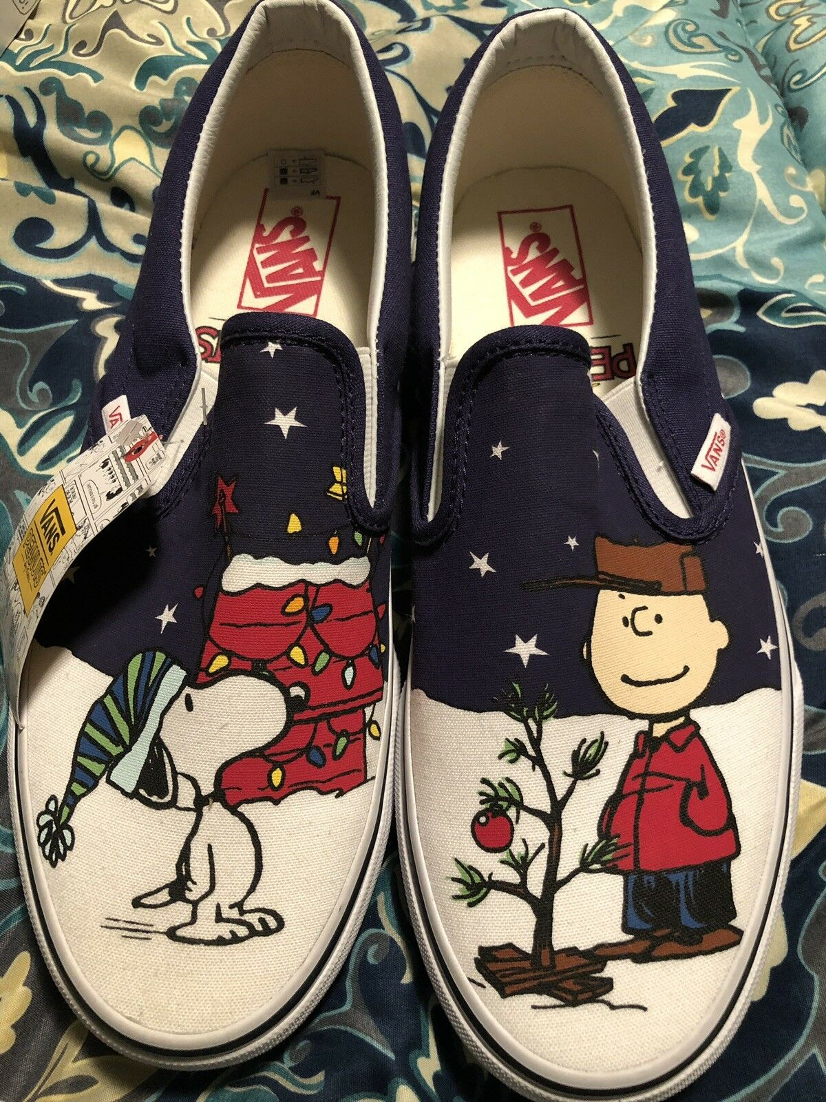 Vans X Peanuts Charlie Tree MENS Size 9 Classic Slip Ons Christmas Snoopy Xmas