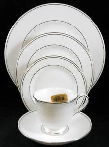 Lenox-FEDERAL-PLATINUM-5-Piece-Place-Setting-MINT-SHOWROOM-INVENTORY