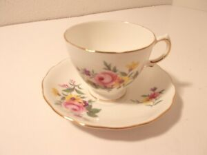 Vintage-Royal-Vale-Bone-China-Tea-Cup-and-Saucer-England-Yellow-Floral