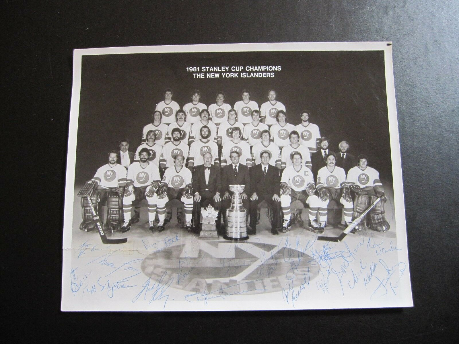 RARE  Autographed Team Photo - 1981 New York Islanders Stanley Cup Champions