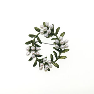 Vintage-Green-Enamel-Leaves-Rice-Shape-Mother-of-Pearl-Wreath-Metal-Brooch-Pin