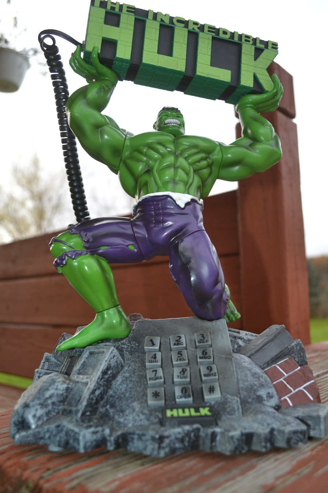 INCREDIBLE HULK TALKING ACTION PHONE TORSO TWISTING ACTION 13  MARVEL (AVENGERS)