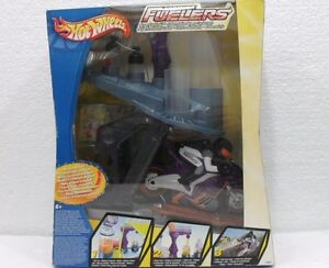 HOT-WHEELS-FORMULA-FUELIERS-MOTO-LABORATORIO-PER-SUPERCARBURANTE-MADE-IN-CHINA