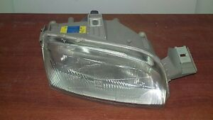 Fiat-Punto-MK1-Headlight-drivers-o-s-side-1993-99-BRAND-NEW
