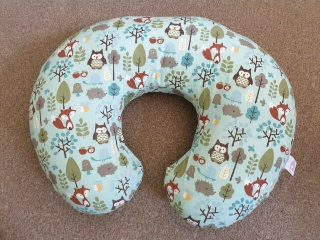Chicco Boppy Pillow With Cotton Slip