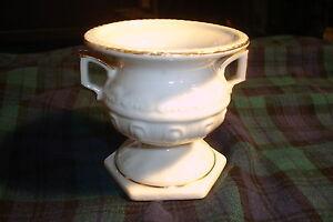 Vintage-Porcelain-Double-Handled-Mini-Urn-Vase-Goldcastle-Japan