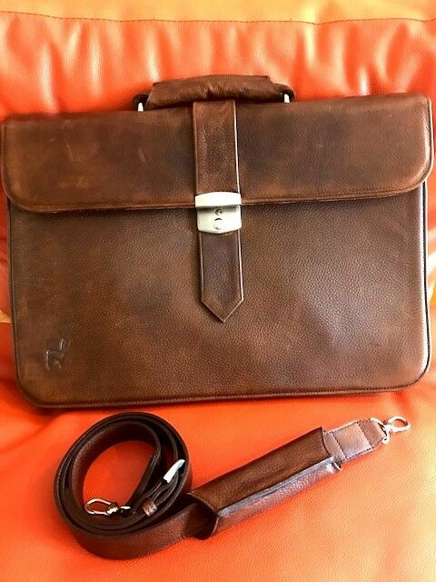 Braun stylish handmade Leder briefcase with adjustable 50 inch shoulder strap