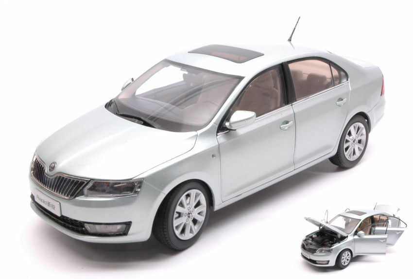 Skoda Rapid 2013 Light blu met.1 18 Model Paudi Model