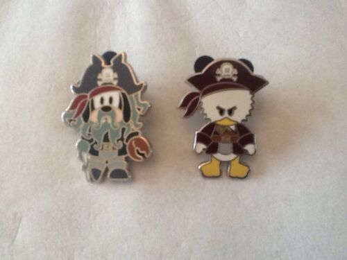 2007 OFFICIAL DISNEYLAND PIRATES OF THE CARIBBEAN PIN TRADING