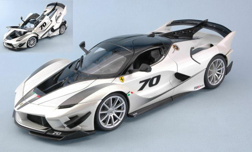 Ferrari FXX-K evo bianca 1 18 Model Bburago