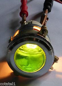 Gros-voyant-ARNOULD-a-cabochon-vert-en-verre-neuf-diametre-4-cm