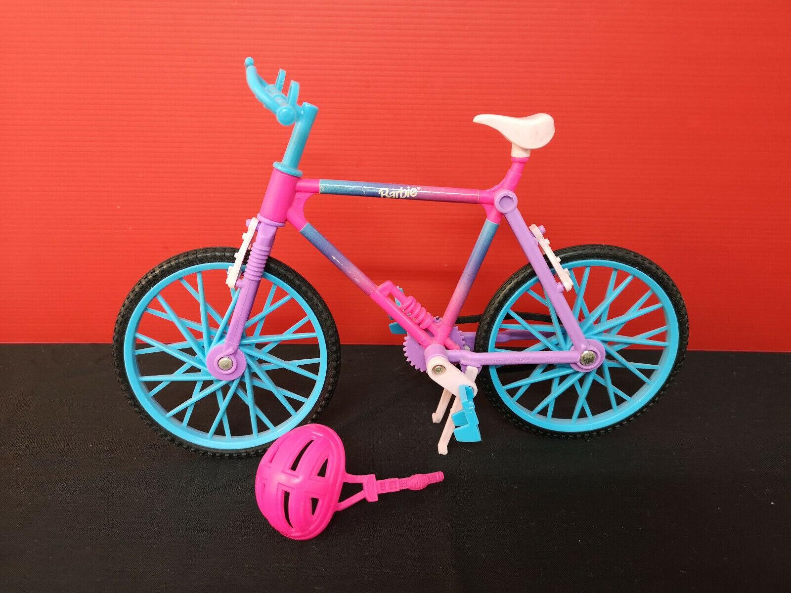 Antigua bicicleta bici accesorios de Barbie años 80-90. Con casco. Mattel