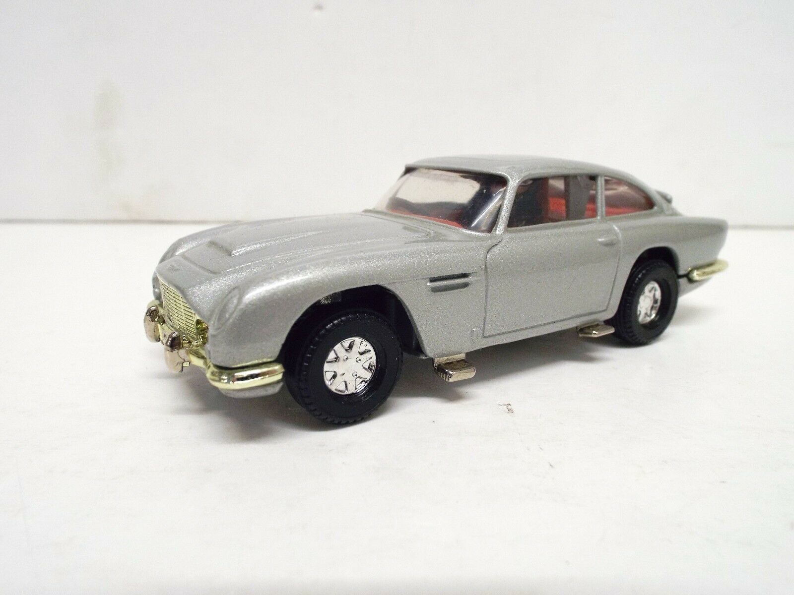 CORGI 1 36 SCALE JAMES BOND ASTON MARTIN ONLY EXCELLENT UNBOXED (C423)