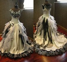 2016 New Fashion White Black Wedding Dresses Gothic Halloween Bridal Ball Gowns