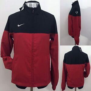 Détails sur Nike Club tissé Taille M UK 1012 Nouvelle Robe Rouge & Noir Full Zip Veste Manteau afficher le titre d'origine