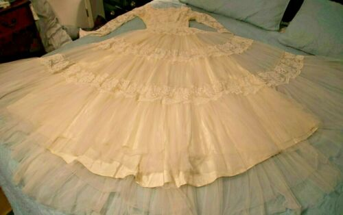 Great Vintage Condition!! Vintage MAURER WEDDING DRESS By Maurer Original Satin Ivory Size Small Beaded Collar Wedding Dress