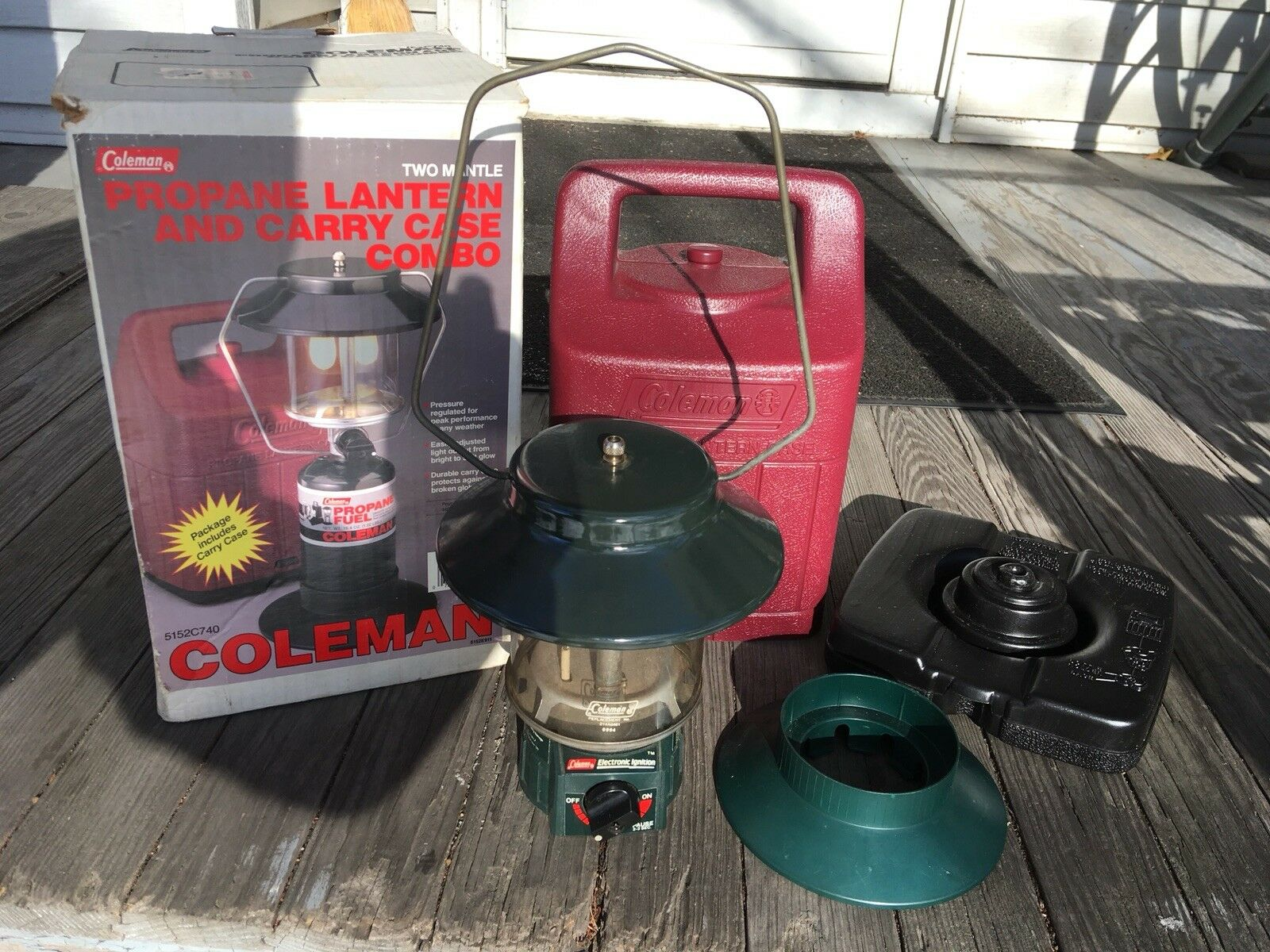 Coleman Double Mantle  Propane Lantern 5152C740 With Case and Original Box   with cheap price to get top brand