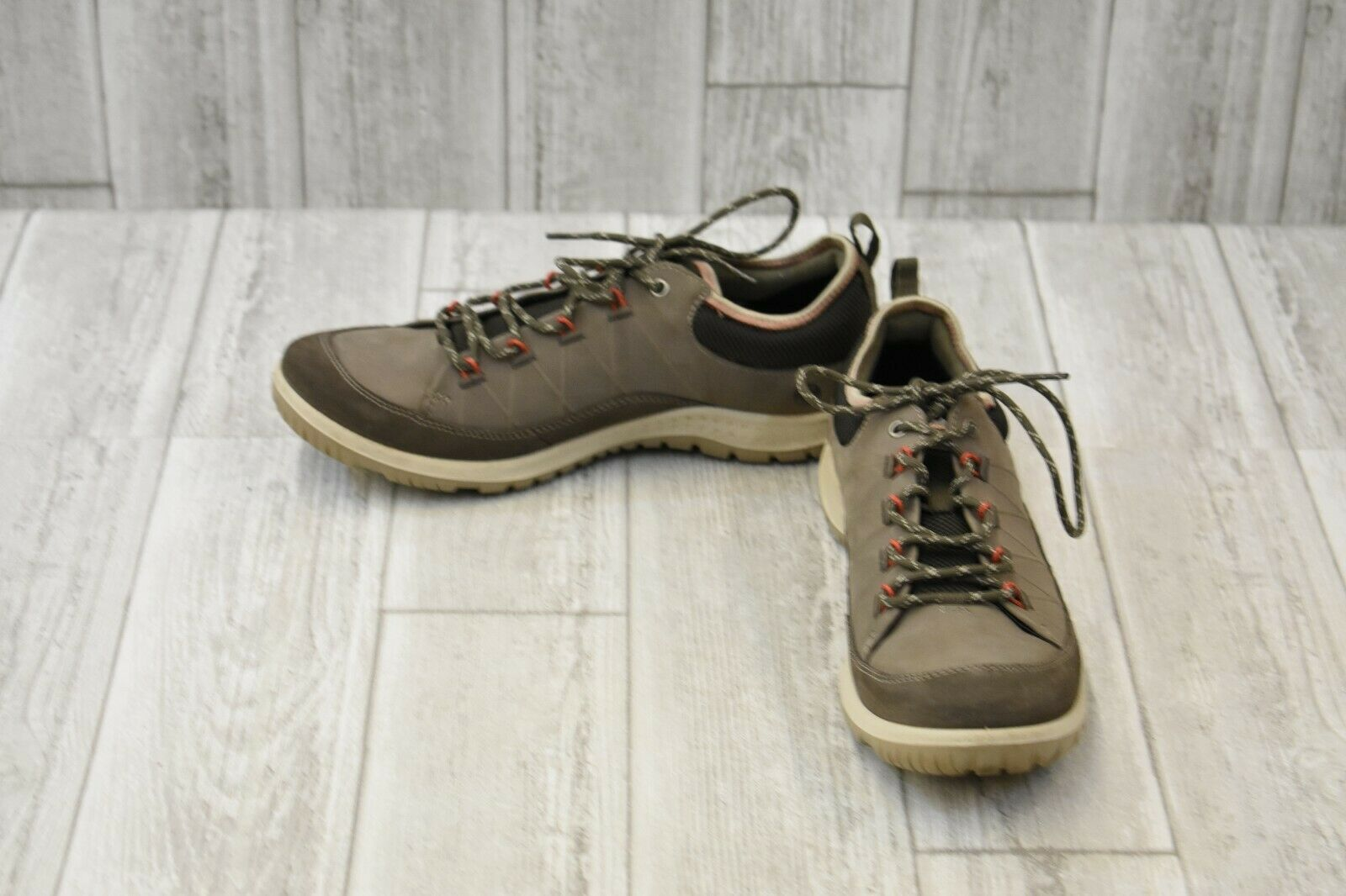 Ecco Aspina Low shoes, Women's, Size 10, Dark Clay