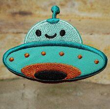 Ecusson Patch brodé thermocollant Soucoupe volante, OVNI, UFO