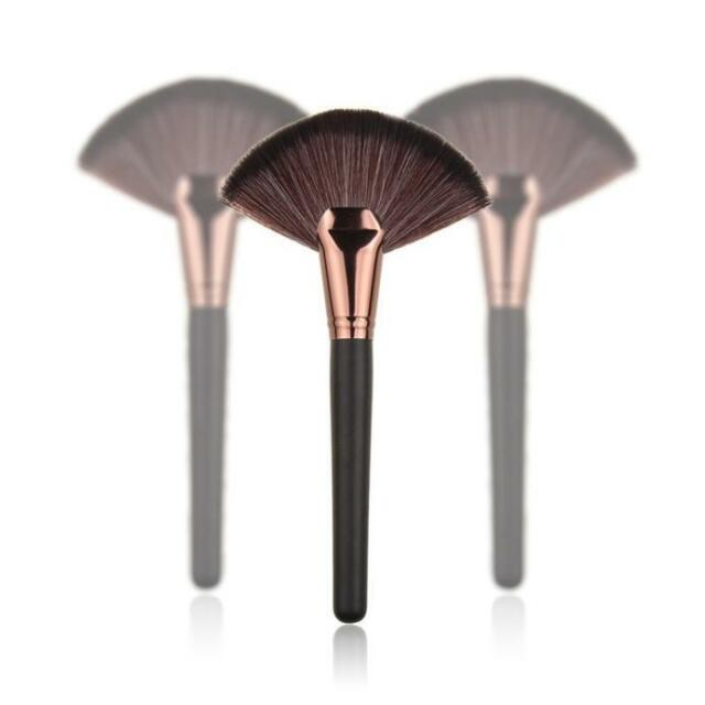 Pro Makeup Cosmetic Blush Blending Highlighter Brush Contour Face Fan Shape New