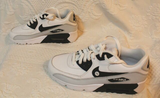 Nike Boy's Air Max 90 Essential Shoes GG8 White/Black 833412-104 Size 5.5Y