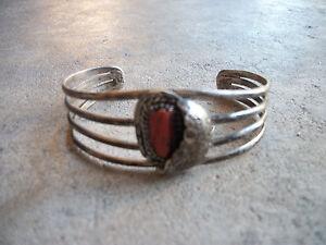 vintage-sterling-Leaves-Jasper-Coral-Bracelet-Native-American-Indian