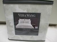 New VERA WANG 100% Cotton 3pc Etched Roses White Pale Green Duvet Set - Queen