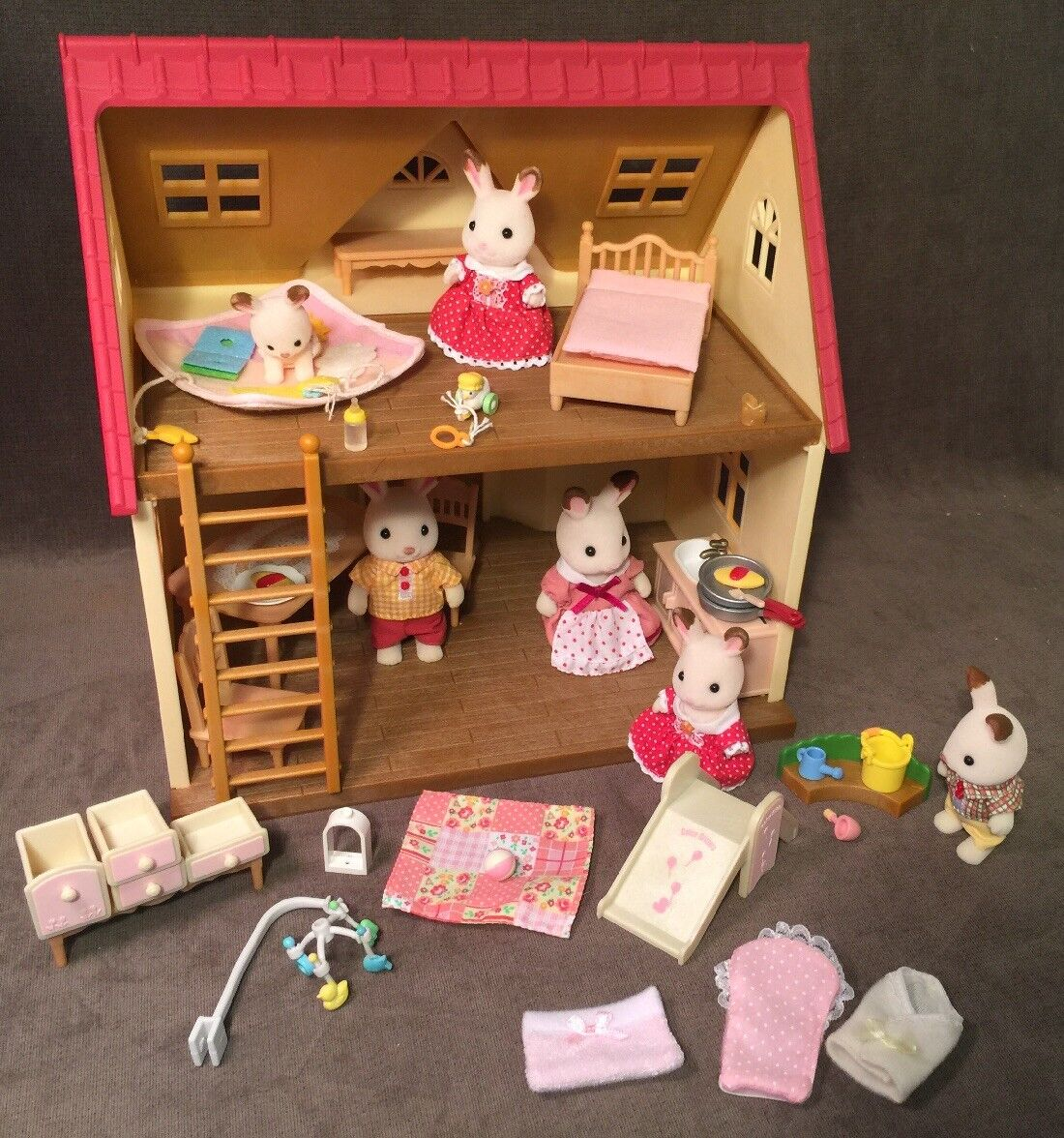 Lot Calico Critters Epoch Cozy Cottage House Furniture Hopscotch Bunnies Toys +