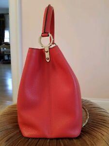 e29e24194c79 Image is loading Louis-Vuitton-Capucines-MM-Hand-Bag-Purse-Taurillon-