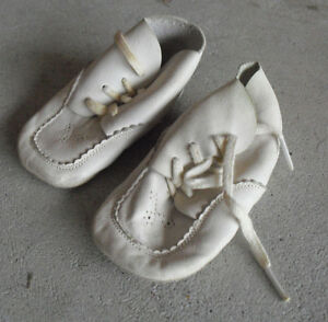 7fbaeee38a9de Details about Vintage Pair of Vintage Leather Baby or Large Doll Shoes 4