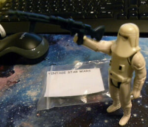 Vintage-Star-Wars-Hoth-Snow-Trooper-Figure-Hong-Kong-1st-gen-1980s-Rare-weapon