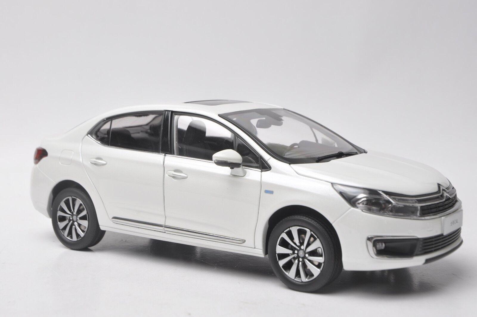CITROEN Nuevo C4L coche modelo en escala 1 18 blancoo