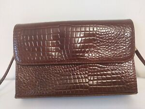 Vintage-St-Michael-Mock-Croc-Handbag-classic-style-everyday-use-smart
