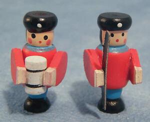 Discipliné Toy Soldiers, Maison De Poupées Miniatures, Jouet Nursery Accessoire-afficher Le Titre D'origine DéLicieux Dans Le GoûT