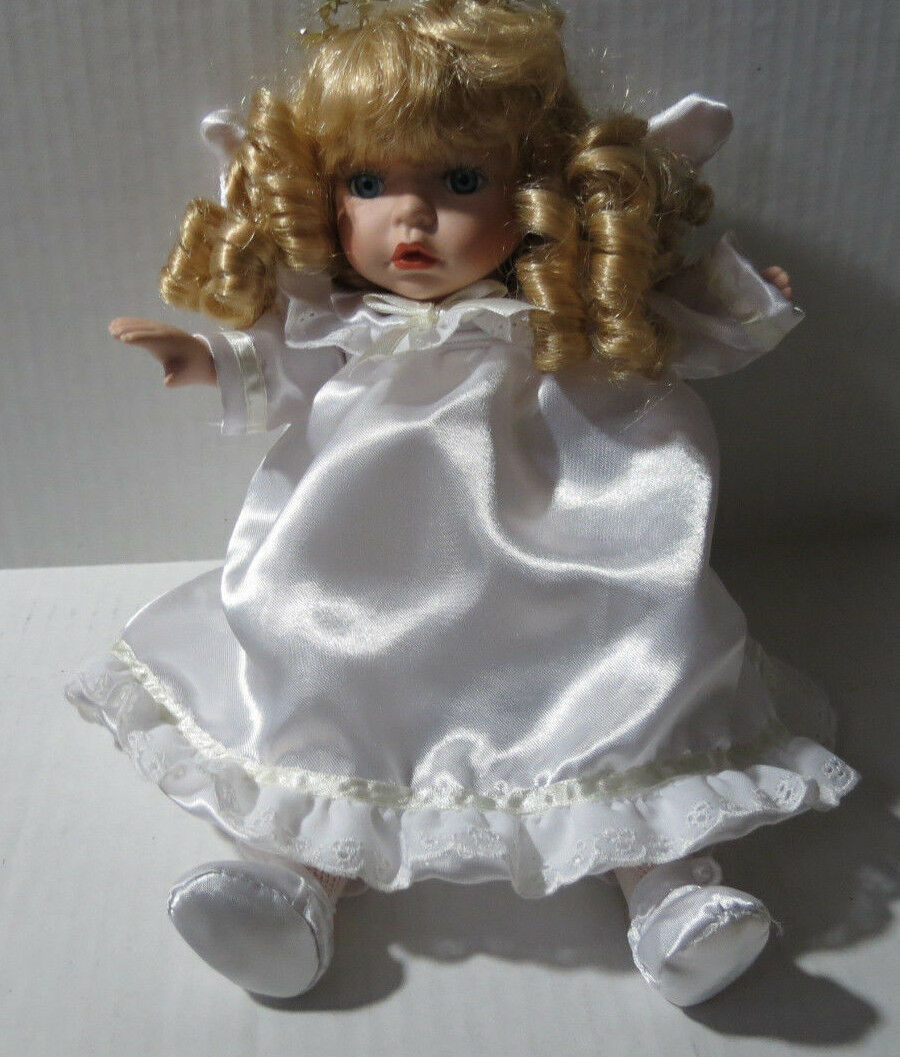 TINY TREASURES 14  PORCELAIN MUSICAL ANGEL DOLL BABY DOLL - ANGELICA