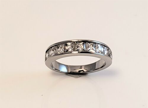 Womens Princess Cut CZ Stainless Steel Band Ring Sizes 5 8.5 7.5 9.5 Remain