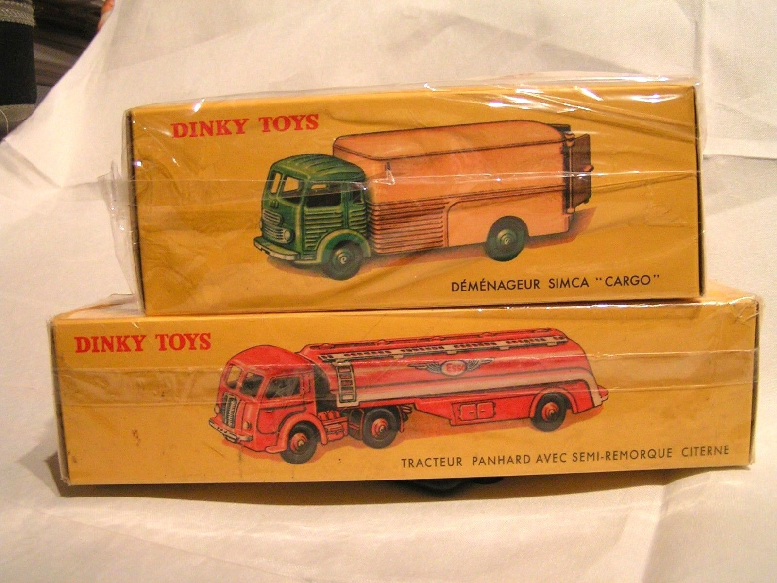 DINKY TOYS   NOREV 1 43 - LOT DE CAMIONS SIMCA ET PANHARD - EN BOÎTES SCELLEES