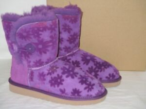 17aba1151be Details about KIDS GIRLS 3 UGG PURPLE MINI BAILEY BOW FLOWERS SUEDE  SHEEPSKIN BOOTS WOMENS 5